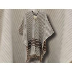 Ponchos de lana infantiles