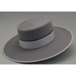 Sombrero de lana color plata